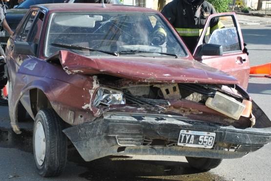 Joven protagonizó choque y como no tenía seguro le secuestraron el auto