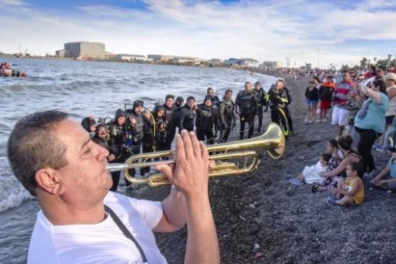 Homenaje a los 44 tripulantes del ARA San Juan en Comodoro Rivadavia