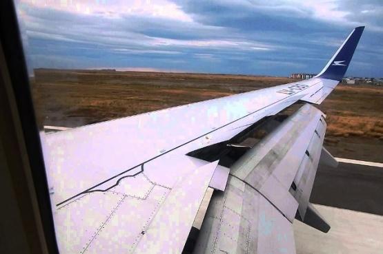 Debieron suspender un vuelo de Aerolíneas luego de que un rayo impactara al avión cuando aterrizaba