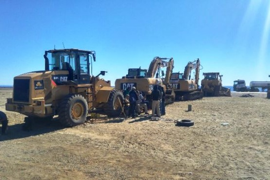 Trabajadores de CPC sacaron maquinaria a la ruta reclamando sueldos