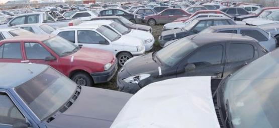 Ahora se llevaron nueve estéreos de autos de un corralón de secuestros