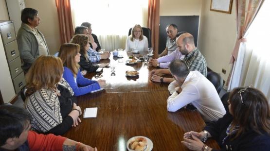 Alicia mantuvo reuniones en la Cuenca.