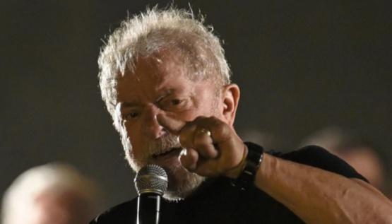 Un juez federal de Brasil prohibió que Lula da Silva salga del país