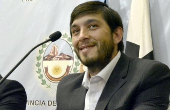 El Intendente de Perito Moreno pidió un vuelo hacia su localidad