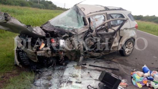 Familia caletense resultó con heridas en impresionante choque contra un camión