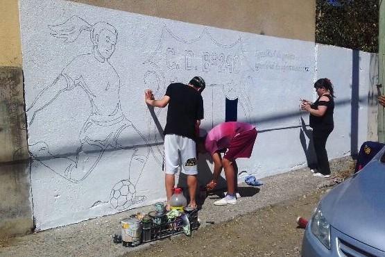 Mural y partido amistoso por la inclusión