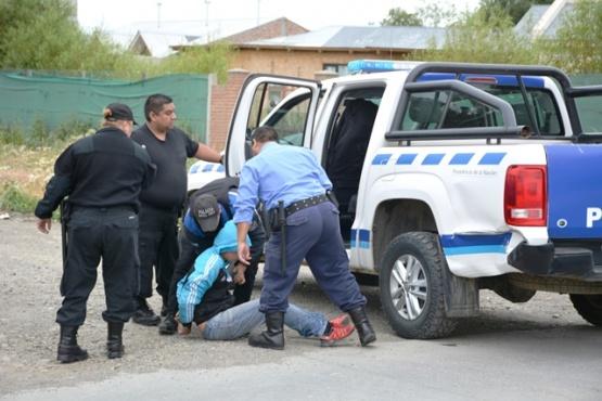 Tres sujetos fueron detenidos tras intentar robar en dos casas