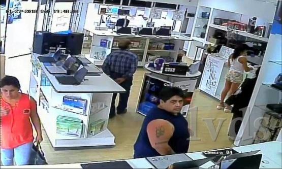 Lo captaron las cámaras pero igual llevó adelante el robo