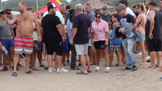 Insólita marcha de turistas para poder usar los cuatriciclos en la playa