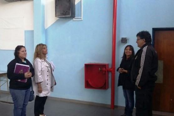 Autoridades educativas visitaron escuelas de Río Turbio y 28 de Noviembre