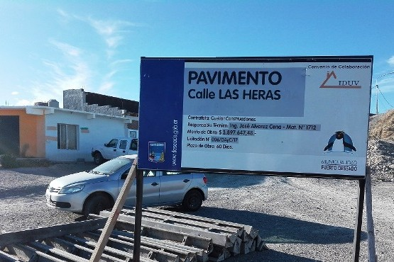 Puerto Deseado: Avanza el pavimento en la calle Las Heras
