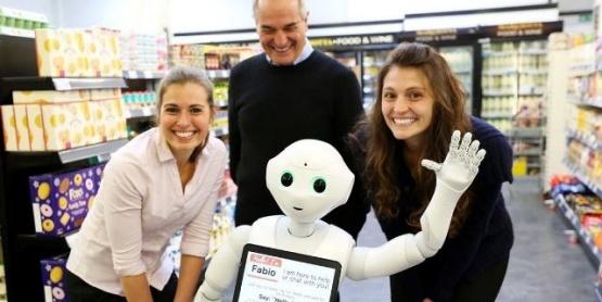 """Despiden a un robot por falta de eficiencia pese a ser """"simpático"""""""