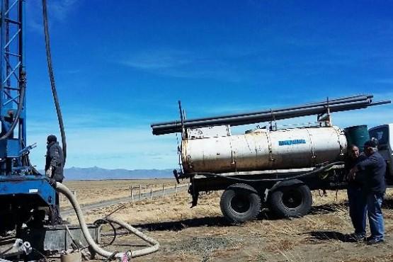 Pozo para abastecimiento de agua en el relleno sanitario de El Chaltén