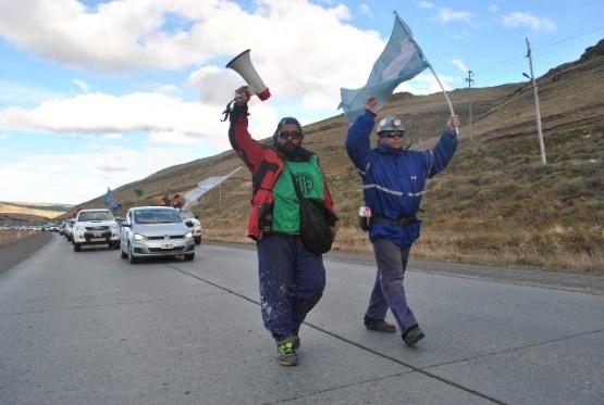 Histórica caravana en respaldo a los mineros. (J.C.C.).