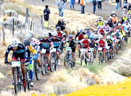 Se viene el Mountain Bike sobre la estepa patagónica