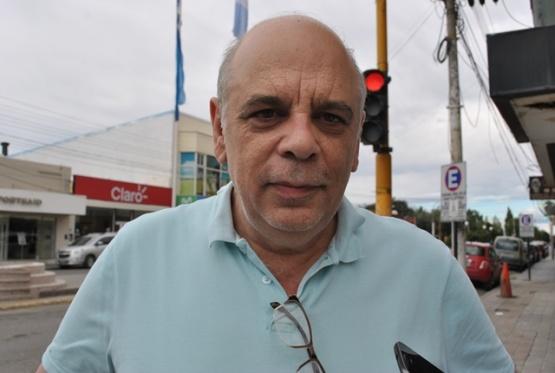 Giubetich viaja por fondos para salarios, mientras sigue en baja la recaudación