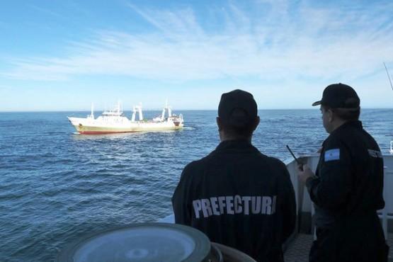 Capturaron buque español pescando en aguas argentinas