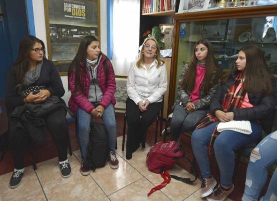 Jóvenes fueron recibidos por la gobernadora antes de viajar a Malvinas