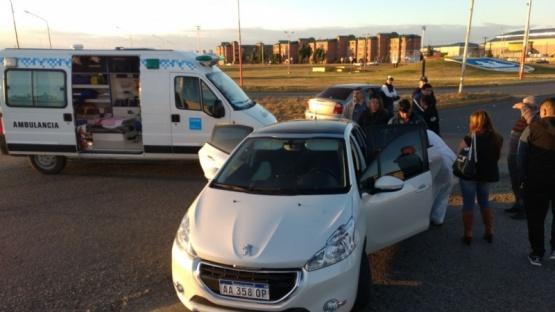 Dos trasladadas al hospital tras fuerte choque en la rotonda Samoré