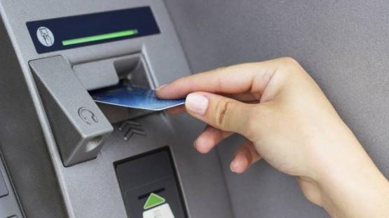 El Banco Central explicó cómo retirar dinero en efectivo sin utilizar los cajeros durante estos cinco días sin bancos