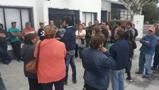 Manifestación frente al Municipio. (LVDS)