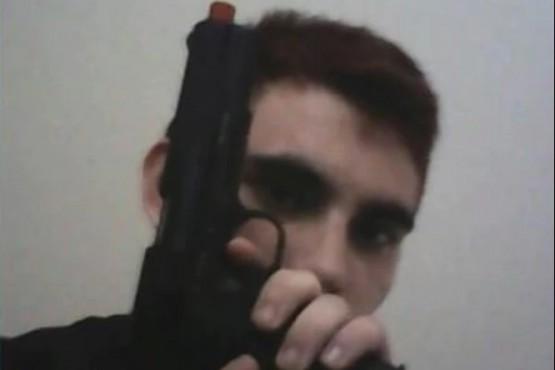 El atacante es un ex alumno que ya había amenazado a sus compañeros