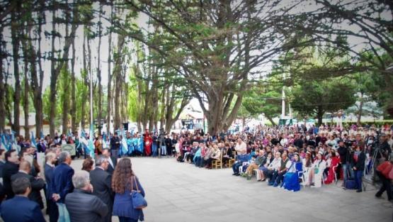 Acto realizado en el aniversario del Lago Argentino.