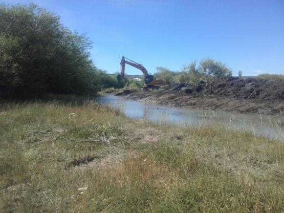 Trabajos realizados en el rio.