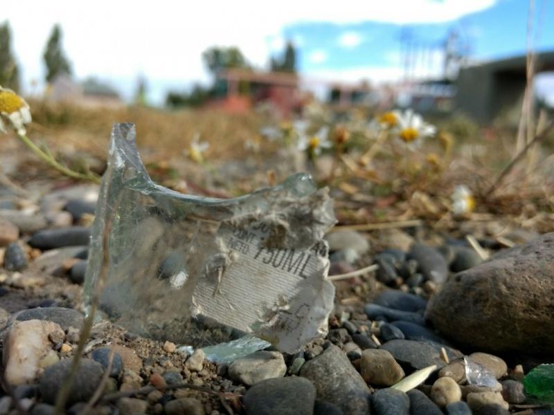 Vidrios rotos en todos lados. (C.G)