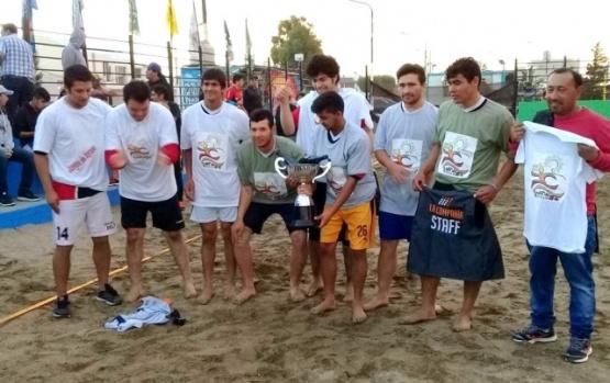 El beach fútbol coronó a 8 de Diciembre como el mejor