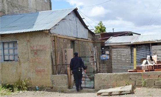 El hecho se registró en una humilde vivienda del barrio Islas Malvinas. (Foto: Patagonia Nexo)