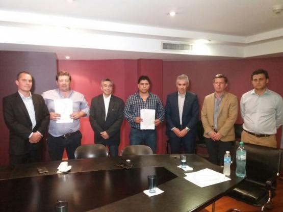 YPF invertirá 340 millones y retrotraerán telegramas de despidos