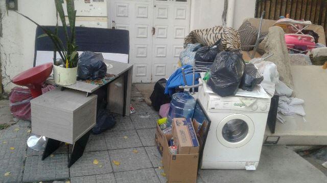 Habrían estado guardando sus pertenencias en el lugar.