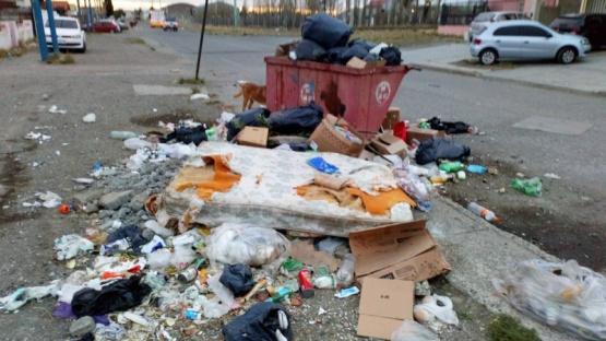 Vecinos del 499 plantearon el problema de la basura a Echazú