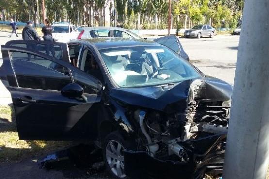 Violento accidente deja dos mujeres lesionadas