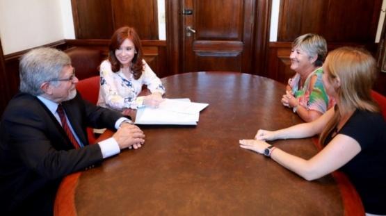 Cristina presentó un proyecto para que los funcionarios no puedan tener una offshore