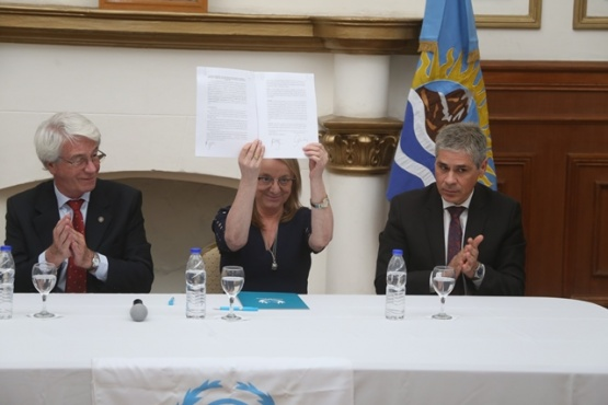 Firmaron el convenio para poner en funcionamiento el Centro de Medicina Nuclear
