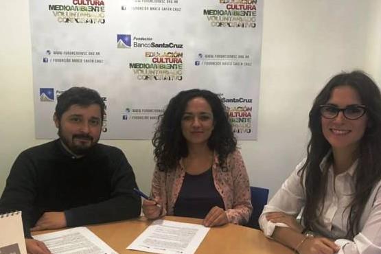 Cultura firmó un convenio con la Fundación Banco Santa Cruz