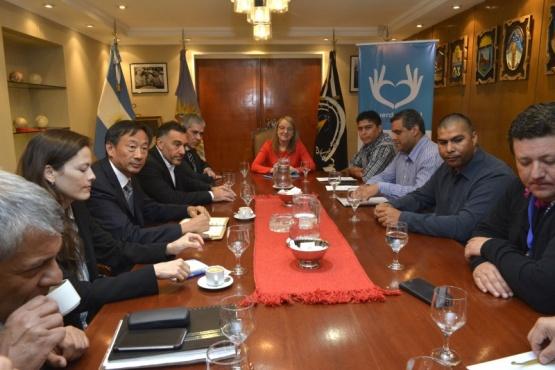 Gobierno y SINOPEC acordaron presentación de plan de inversiones