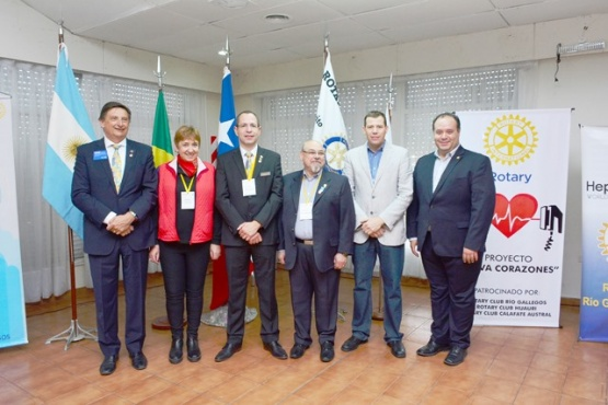 El Gobernador de Distrito 4939 junto a autoridades de los clubes participantes. (Foto: C.R.)