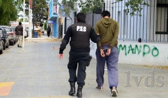 Seguirán detenidos.
