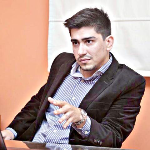 Dr. Víctor Robles, representante legal de la familia Barría.