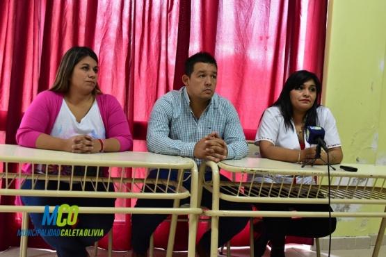 Conferencia de prensa en Caleta Olivia.