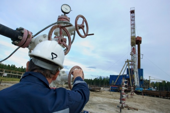 """Reglamentan """"recuperación secundaria"""" de pozos petroleros basados en legislación de Santa Cruz"""