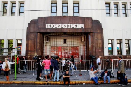 La sede del club Independiente en la avenida Mitre, en Avellaneda. DYN