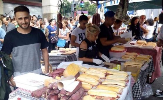 El chico de los sandwiches tuvo su revancha en plaza de Mayo