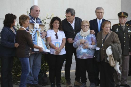 Familiares de caídos en Malvinas y el secretario de DD.HH., Claudio Avruj ofrecen una conferencia. Foto:NA