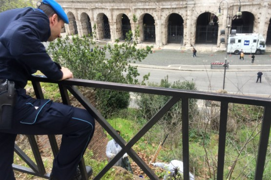 De la cárcel a la calle: los presos italianos se encargan de limpiar Roma