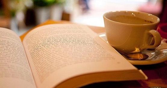 Realizan Café literario por el
