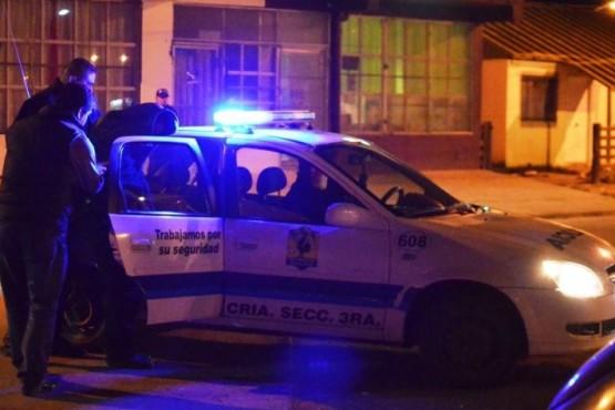 Policía ebrio contra sus compañeros: 16 disparos y sumario administrativo